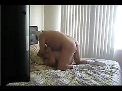 Al Putito solo le gusta las vergas de machos maduros - Daddy and hot twink