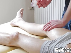 Horny amateur masseur Jesse Jenkins bangs his client
