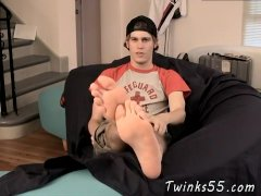 Twink curling their toes tube and foot