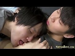 Twink gives teen facial