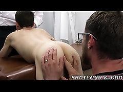 Big cocked doctor barebacking and creaming twinks asshole