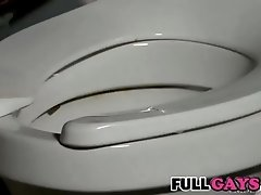 It appears a big cock in the toilet  Fullgays.com